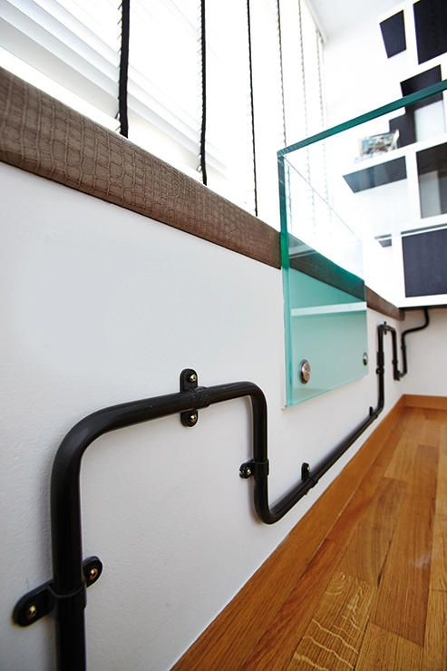 10 industrial style homes with exposed pipes and trunking rh pinterest com