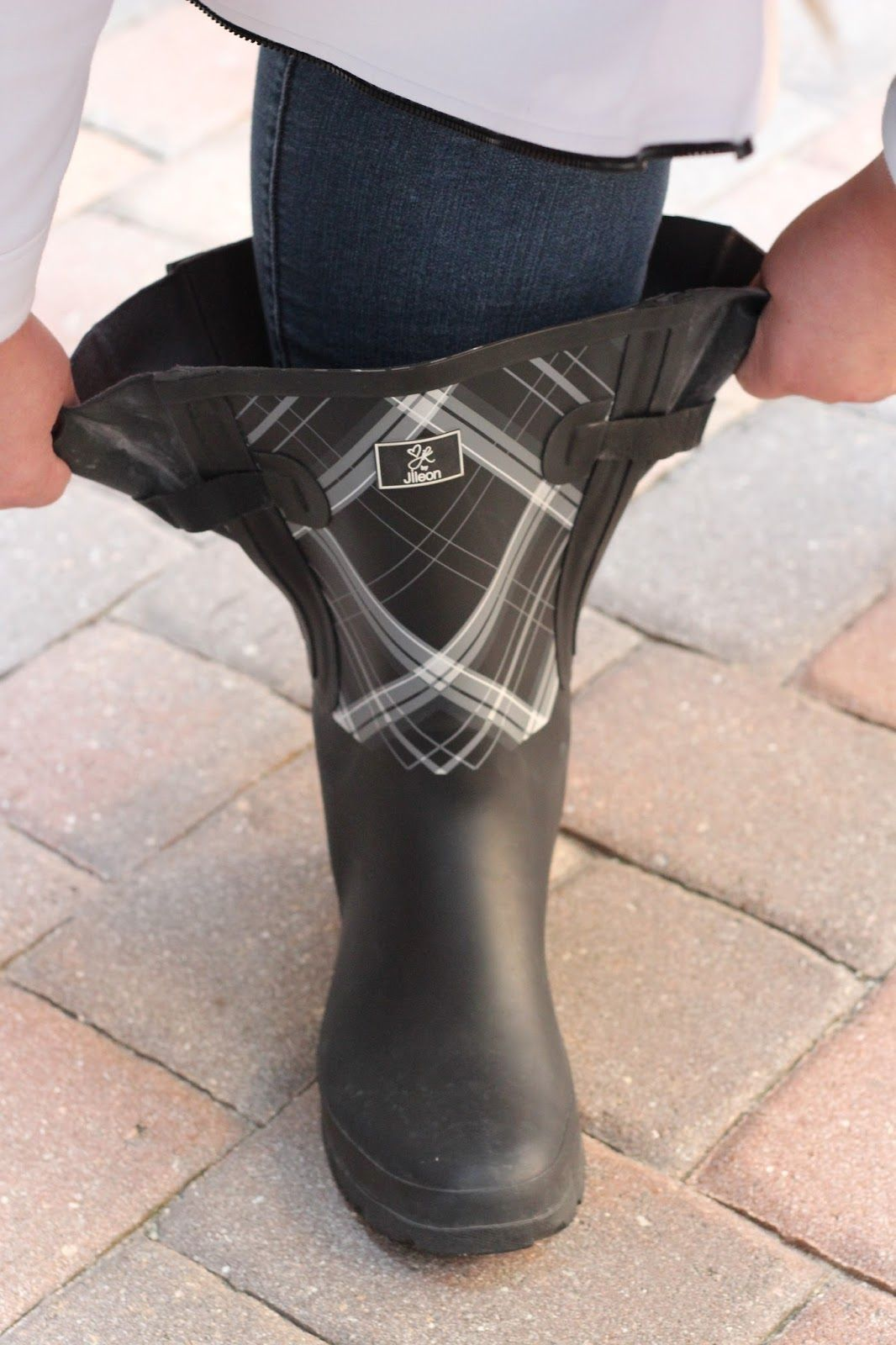 Super wide calf \u0026 wide width rain boot