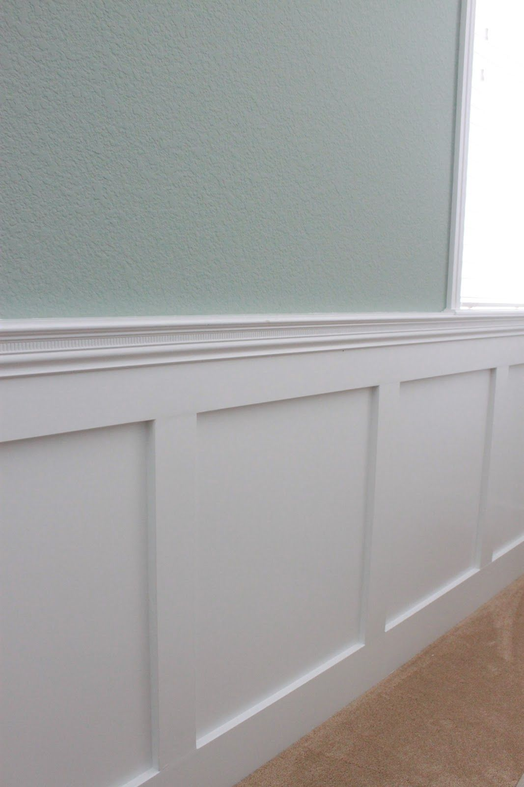 pictures of wainscoting in dining room video dining room rh in pinterest com