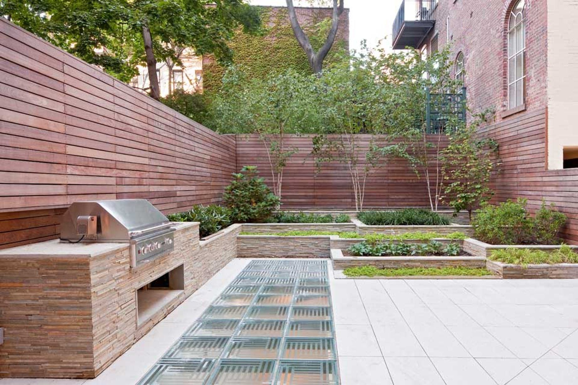 Waverly Townhouse The Turett Collaborative Archinect Modern Landscaping Small Backyard Landscaping Modern Landscape Design