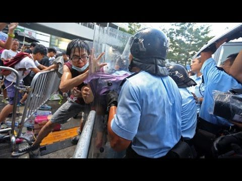 Chaos In Hong Kong! TEAR GAS, RUBBER BULLETS, RIOT POLICE! 'Occupy Centr...