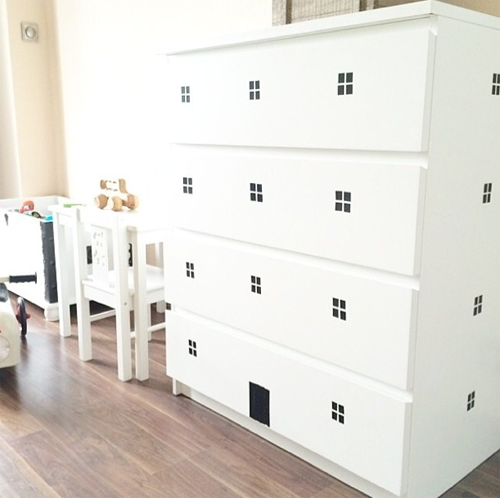 mommo design ikea hacks for kids pimp up your white malm chest of drawers with black tape and. Black Bedroom Furniture Sets. Home Design Ideas