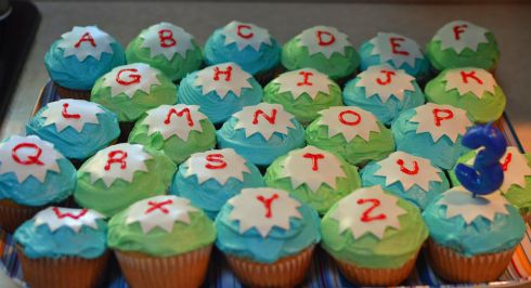 super why letter cupcakes