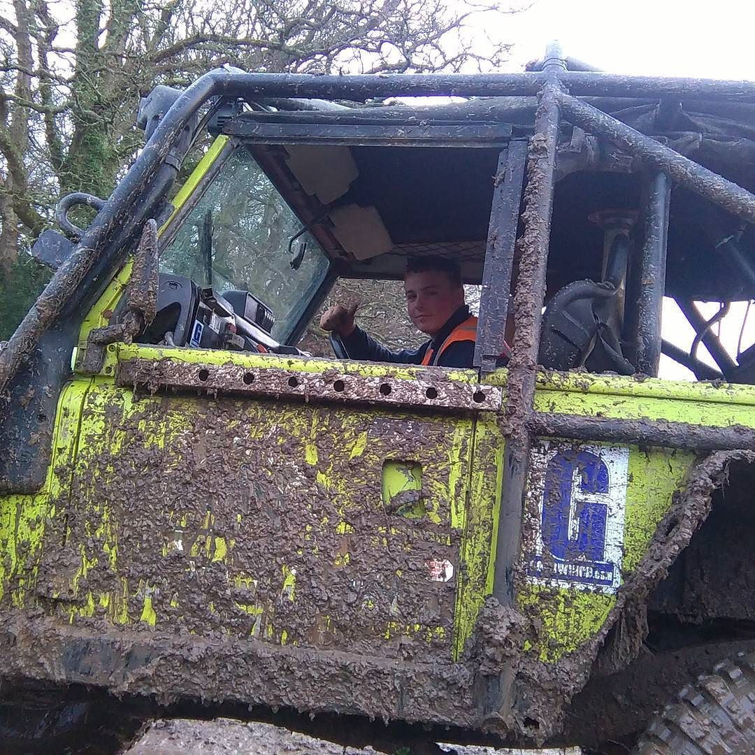 Felt very privileged today being allowed to drive Joe's challenge truck 'Kermit'. #offroad #offroader #challengetruck #muddybottom4x4 #muddybottom #landroverdefender #landroverexperience by kylelankford_99 Felt very privileged today being allowed to drive Joe's challenge truck 'Kermit'. #offroad #offroader #challengetruck #muddybottom4x4 #muddybottom #landroverdefender #landroverexperience