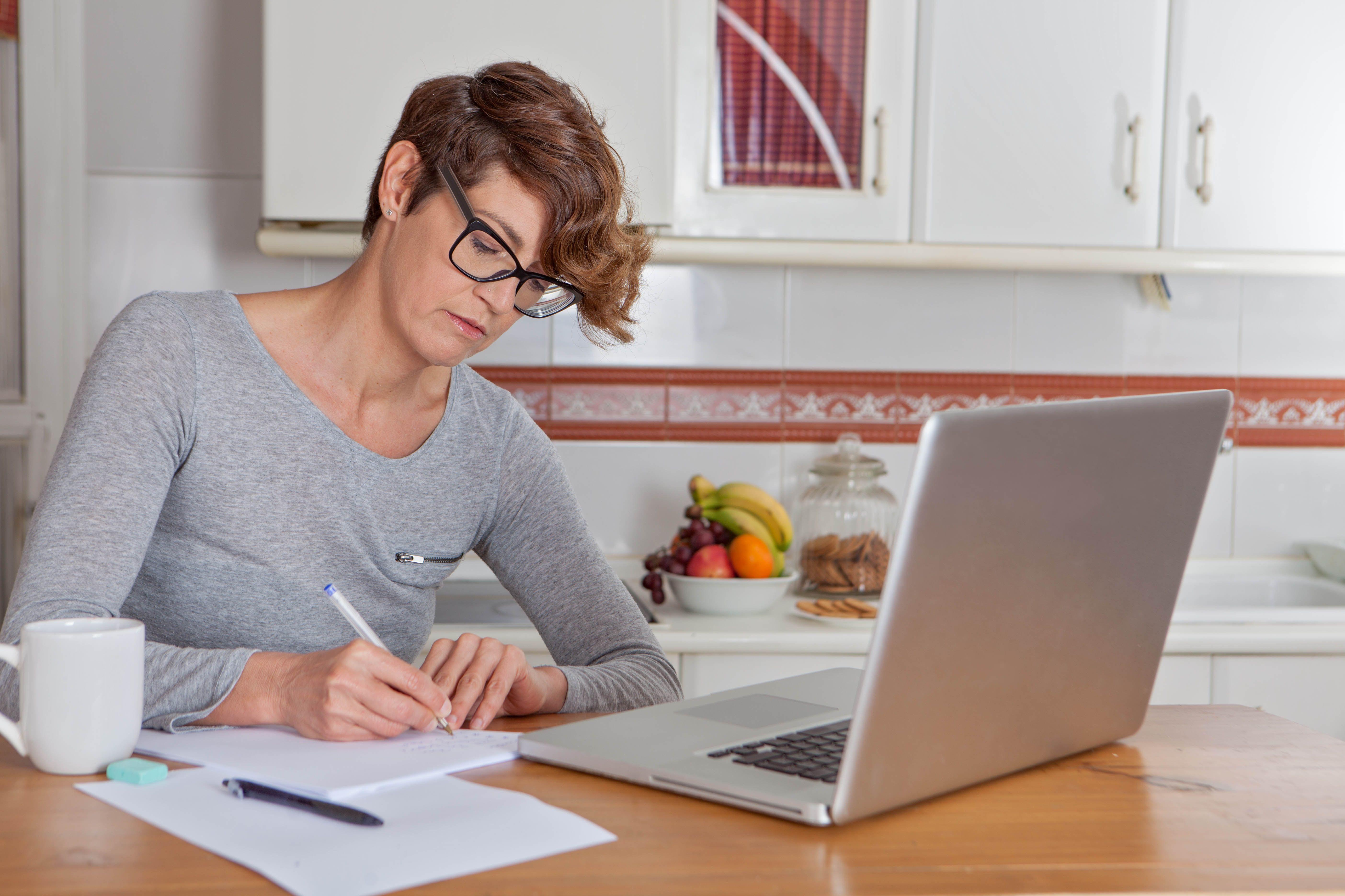 Vendeuse à domicile indépendante : travail à domicile comme VDI