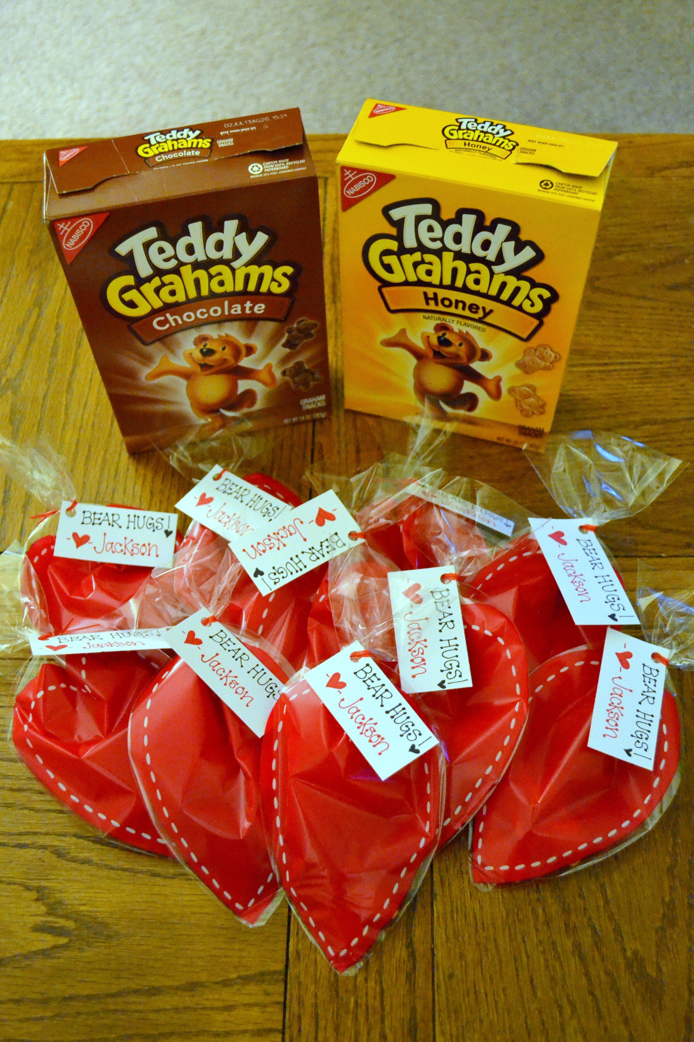 Valentine Bear Hugs Using Teddy Grahams