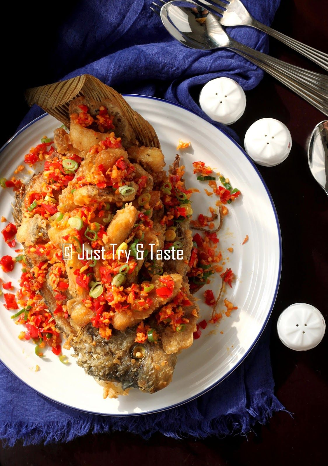Gurame Garing Siram Cabai Bawang Garam Makan Malam Resep Ikan Makanan Dan Minuman
