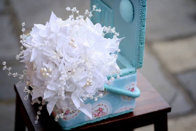 Wedding bridal brooch bouquet pure silk di HAIRBOWSWONDERWORLD
