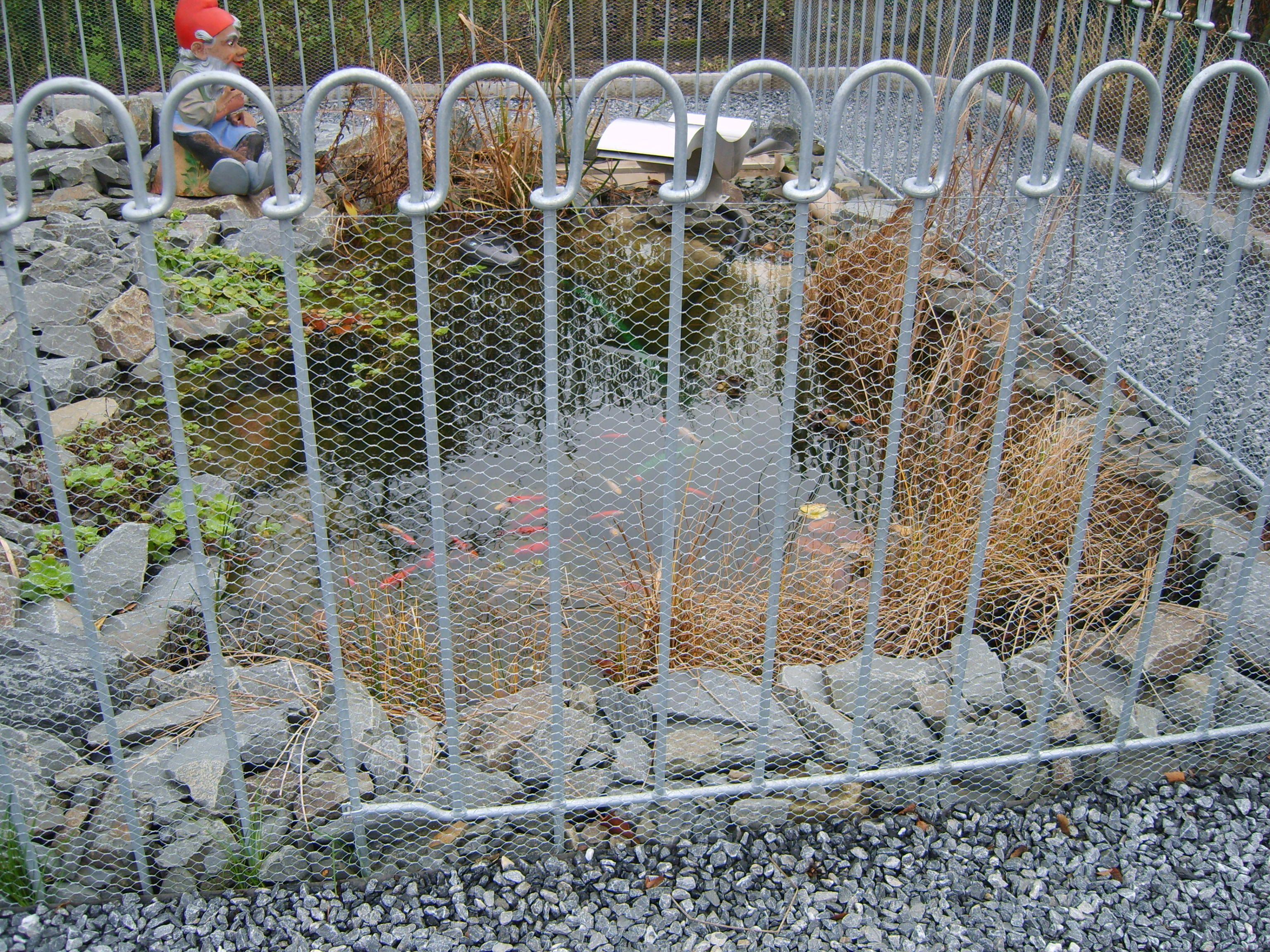 die beiden zaunteile, die links und rechts in den vorderen, Garten und erstellen