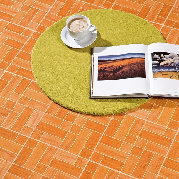 Piso madera toronto 33x33 cm piso madera color caoba y for Losetas para piso interior