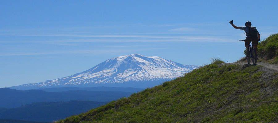 Cowlitz County Tourism Bureau - Mount St Helens Visitor Guide