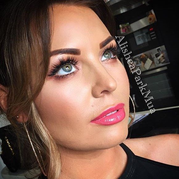 Jess Wright Wearing Gwa Princess Lashes Gorg Makeup By Alisheaparkmua Www Girlswithattitude Co Uk Gwalondon Towie Lashes Cool Eyes Towie