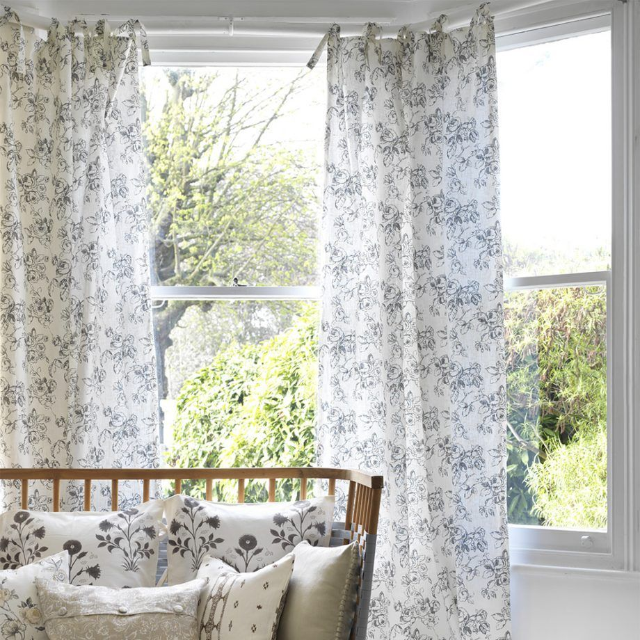 Lovely Window Curtain Decorating Ideas