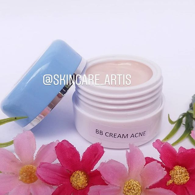 Foundation Atau Bb Cream Untuk Kulit Berminyak Dan Berjerawat