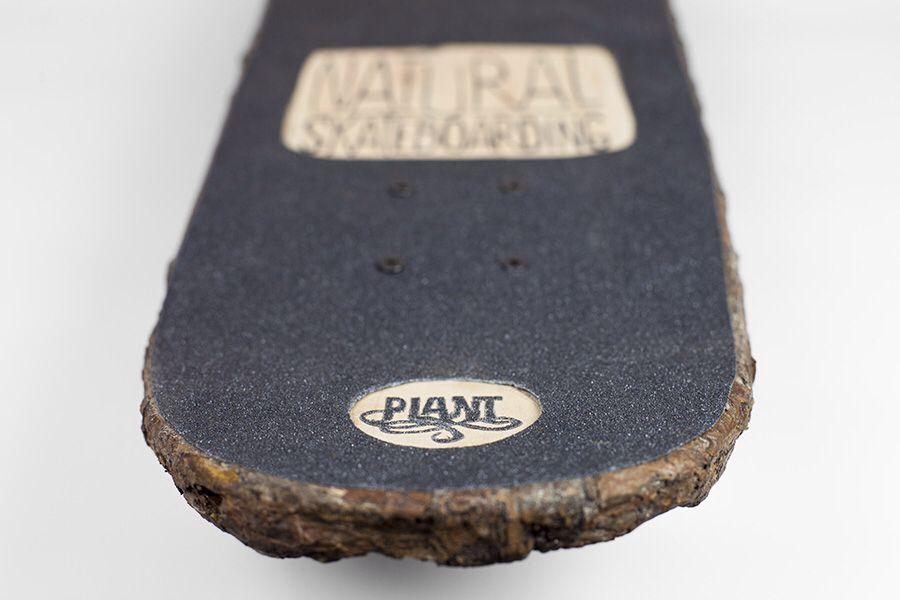 Natural Skateboarding (Christophe Guinet, 2014): a 32″ skateboard built from a panel of tree bark.