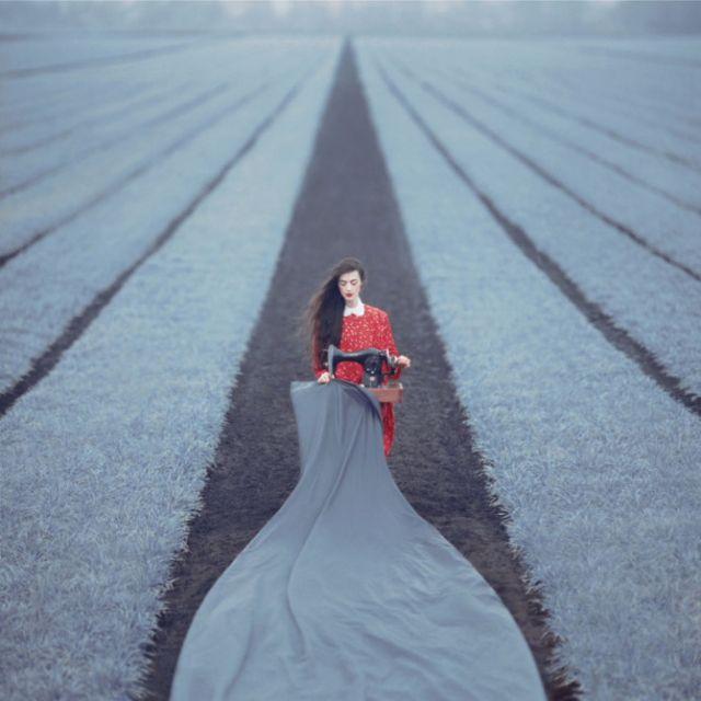 30多歲 老 底片 相機 與 26歲 年輕 攝影師 的 夢幻 超現實 人像 創作 | DIGIPHOTO-用鏡頭享受生命