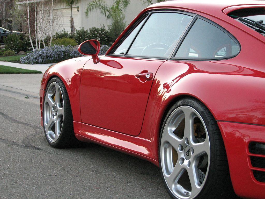 Porsche 911 (993 model)- looks like a 98 Turbo S #ftw