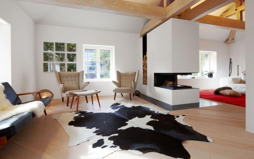 Edles Wohnzimmer mit Kamin in Züricher Stadtvilla Kamin
