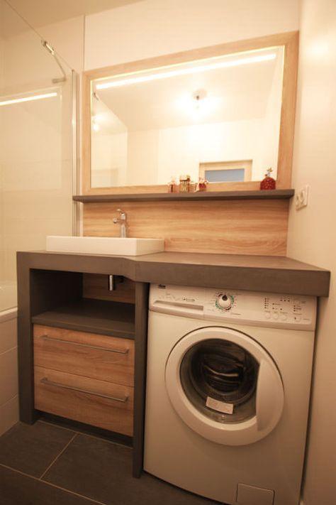 Un lave linge dans une petite salle de bain Bathroom designs - meuble salle de bain panier a linge