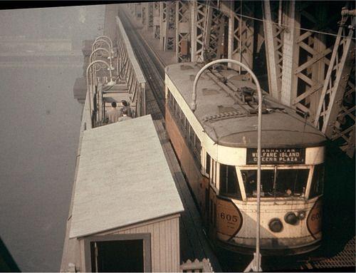 nevver:  Roosevelt Island tram, 1940s