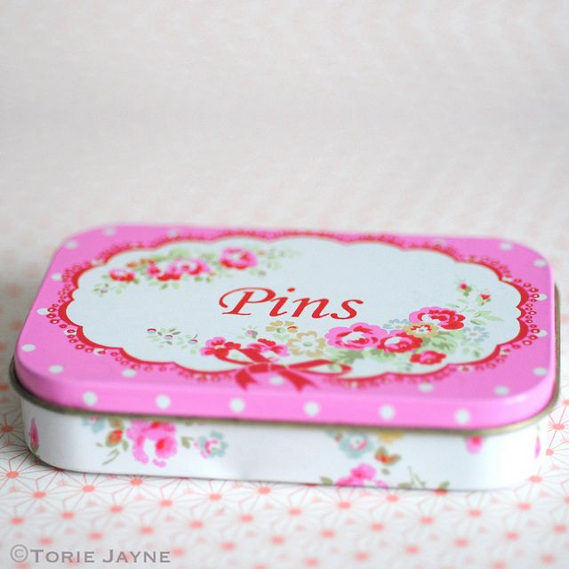 Pretty tin of sewing pins