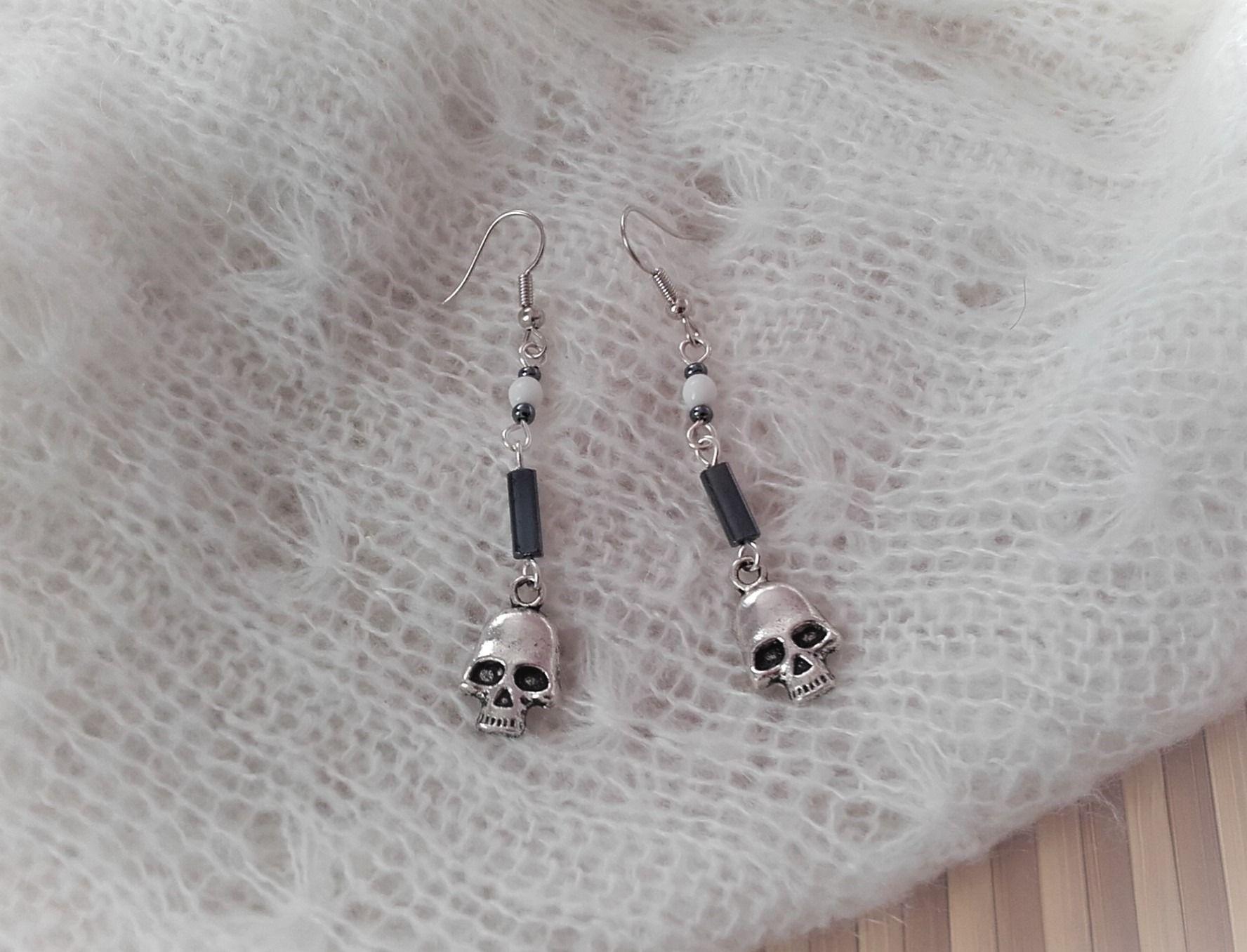 Boucles d'oreilles perles tete de mort