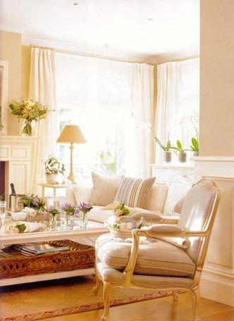 Estilo clasico renovado vogue decoracion for Decoracion de salones clasicos
