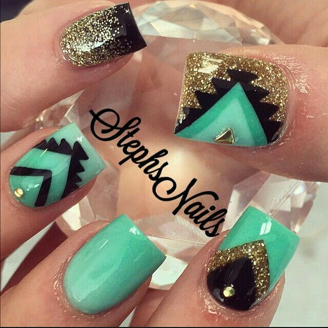 Such a cute Mint Green Aztec look with glitter! <3 | Nails! Nails ...