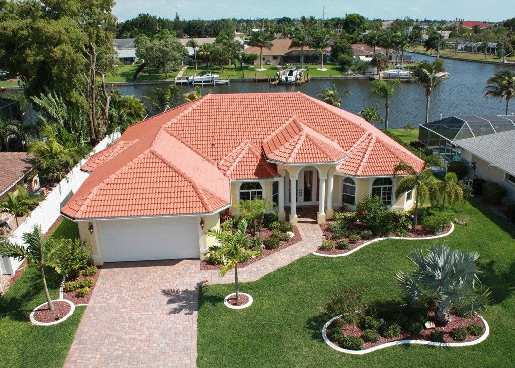 Cape Coral House Rental Wide Canal, 13 Minutes To The River, Pool