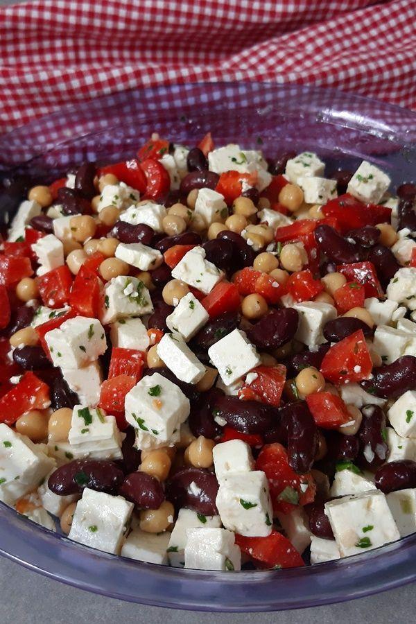 Mexikanischer Salat mit niedrigem Kohlenhydratgehalt mit Bohnen, Kichererbsen, Paprika und Feta   – Low Carb | Rezepte