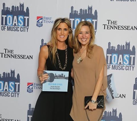 I love connecting with fellow bloggers. Had so much fun hangin with @thedecorologist last week!  #toastofmusiccity #stylebloggers #nashvillebloggers #thetennessean
