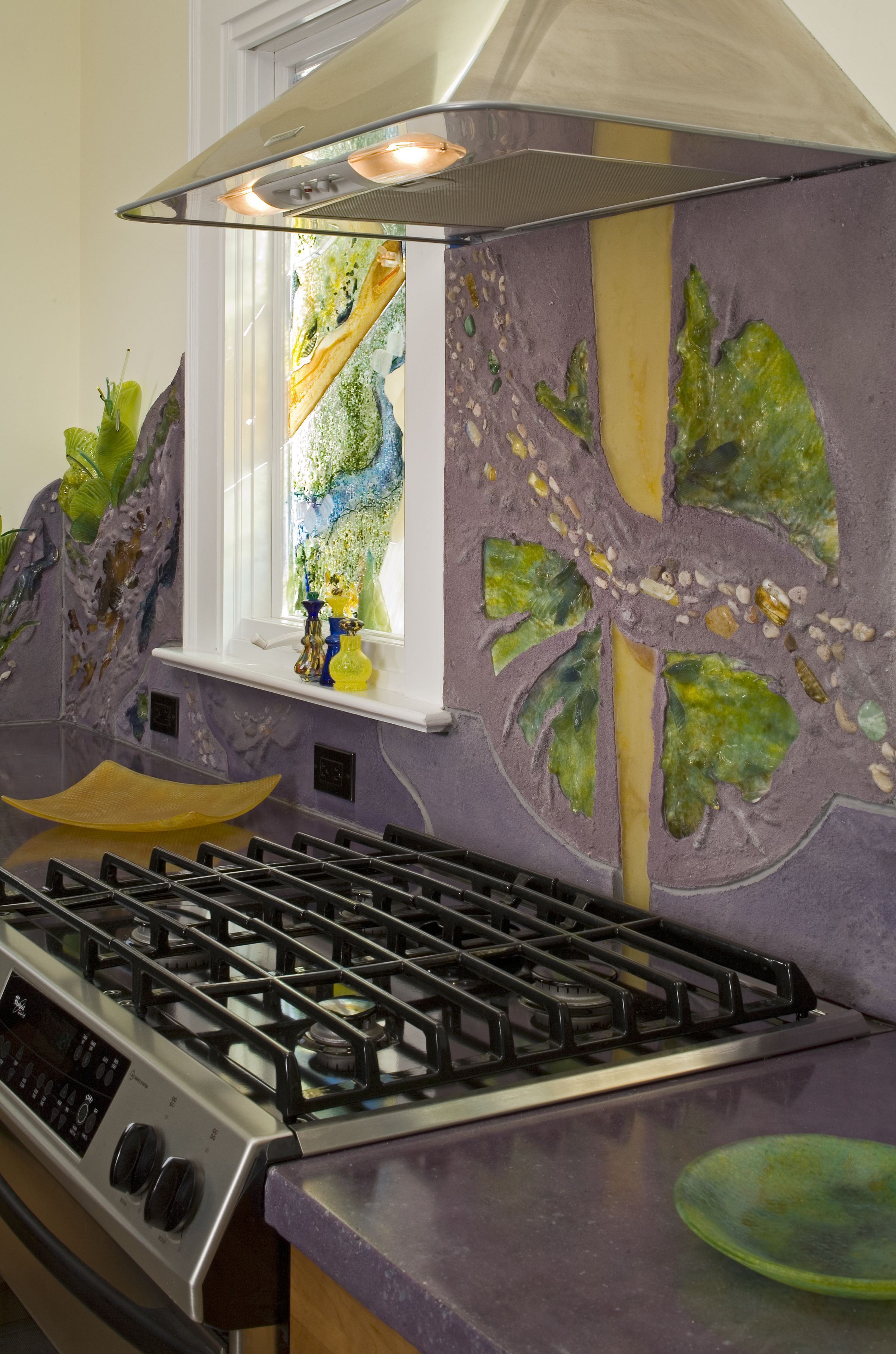 Colorful Kitchen Supplies: Matching The Colors In Your #backsplash With Kitchen