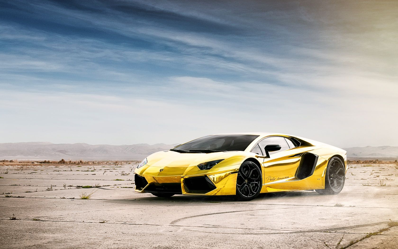 If you're purchasing your first car, buying used is an excellent option. Wallpaper Keren Lamborghini