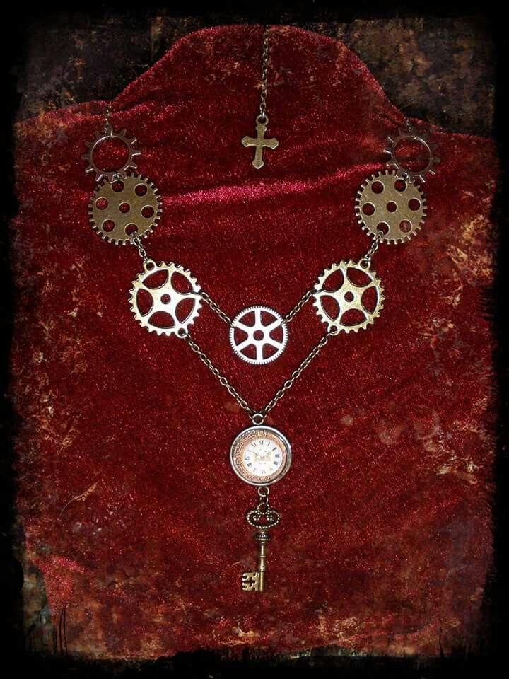 Time's key pendant by Creaciones a Montones