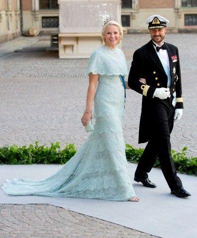 Crownprince Haakon and Crownprincess Mette-Marit of Norway arrive ...