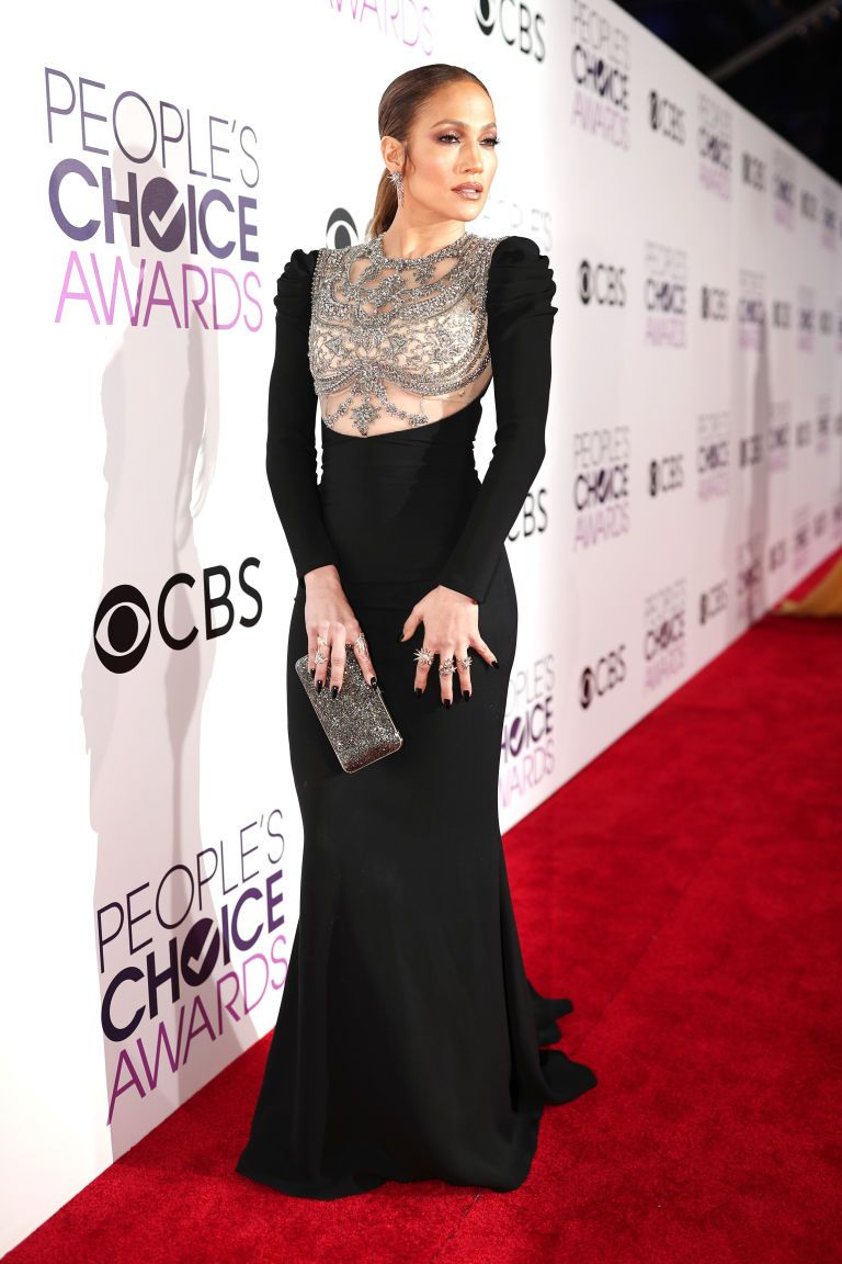 Jennifer lopez arrived at the peopleus choice awards in a sleek