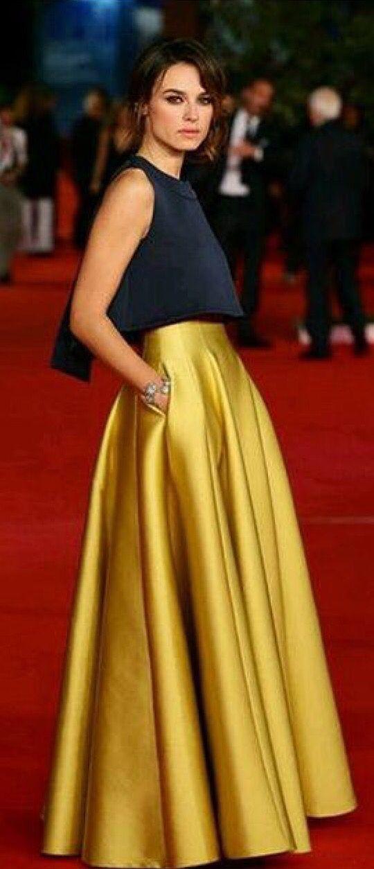 89f7b60a5d Modelo de vestido. Top bordado y falda lisa color vivo
