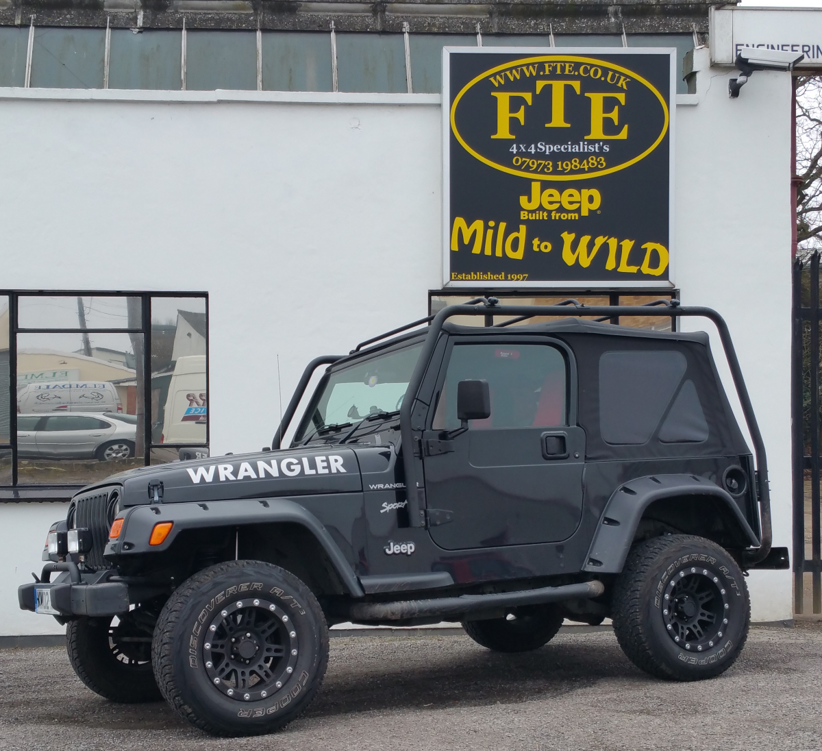 """Jo & Dean's Wrangler TJ. A very clean and well sorted TJ with a TerafFlex  2.5"""" suspension lift, Pro-Comp rims wrapped with 31x10.50x15 Cooper  Discoverer ..."""