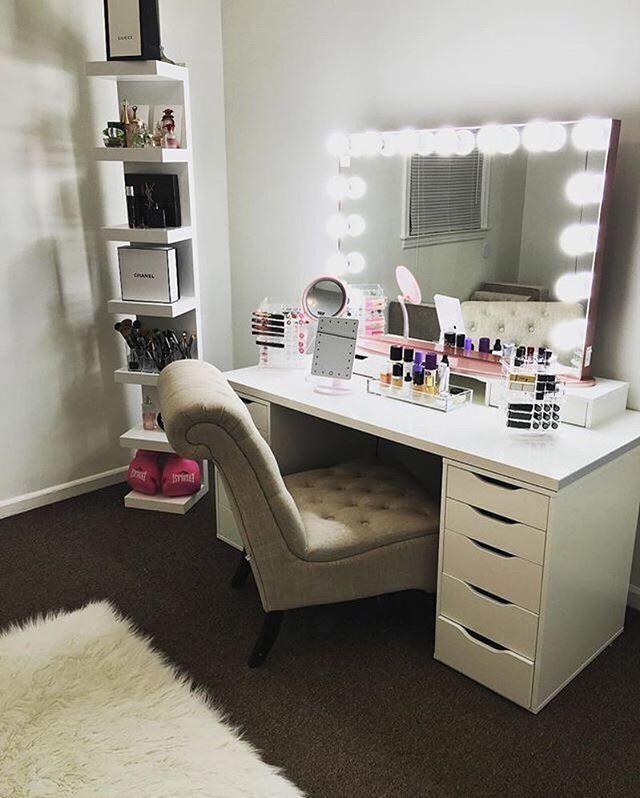 Vanity Desk With Mirror Lights