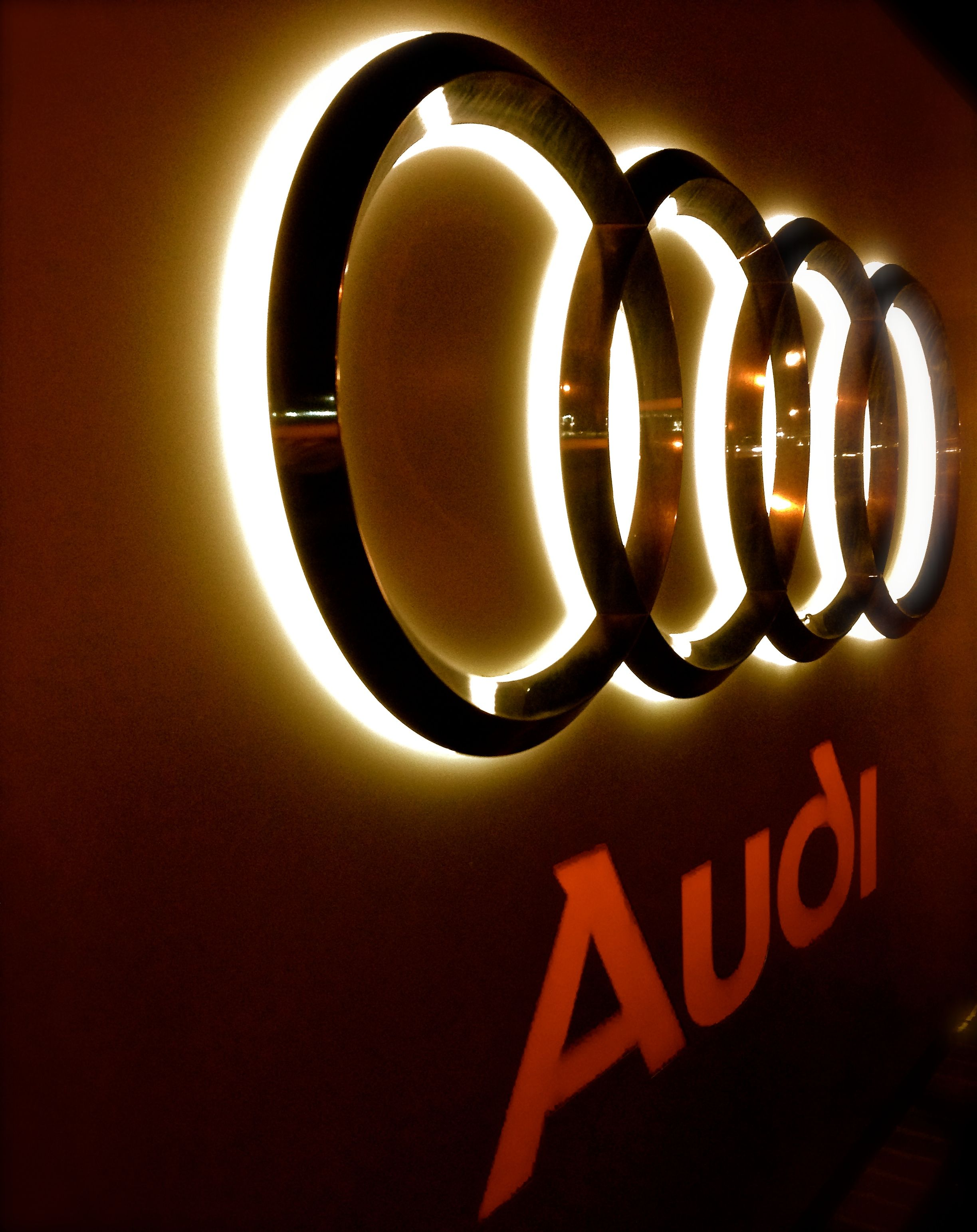 The Audi Logo Has A Very Cool Effect Style Of Life Pinterest - Audi logo