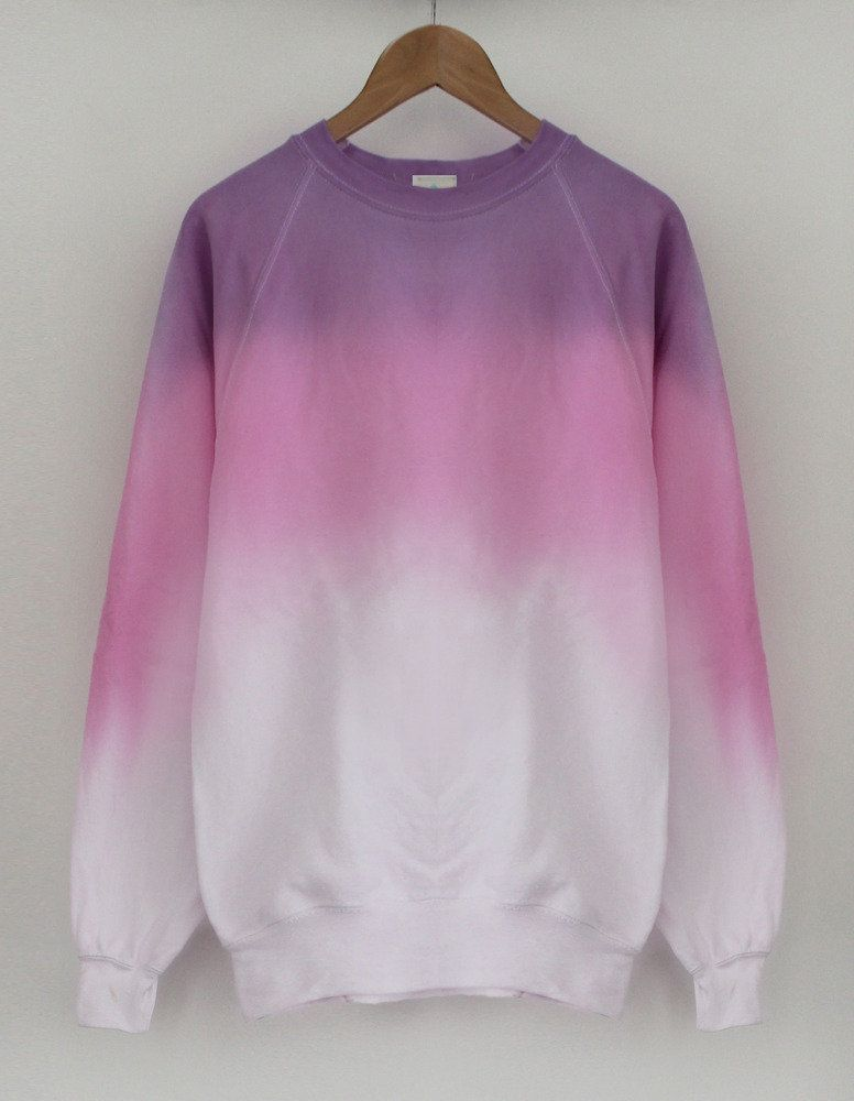So creazy ! Just love ombre style so much ! This pink hoodie ...