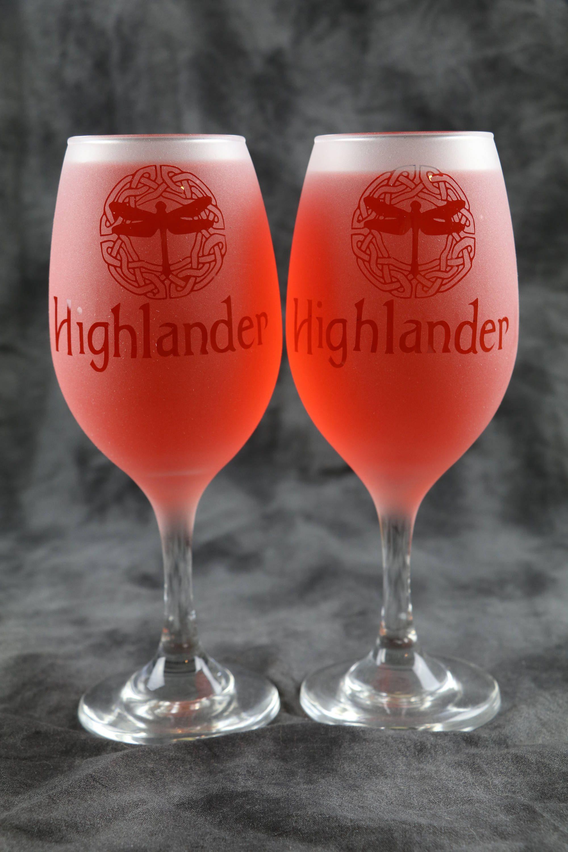 Highlander Dragonfly Celtic Circle Outlander Inspired Frosted Etched White Wine Glasses Set Of 2 By Deelux Celtic Circle White Wine Glasses Unique Wine Glasses