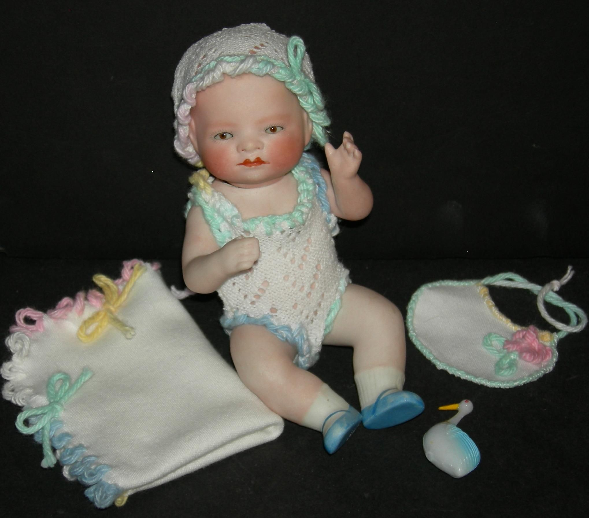 ALL BISQUE BYE LO Lovely Layette Clothes Brown Sleep Eyes