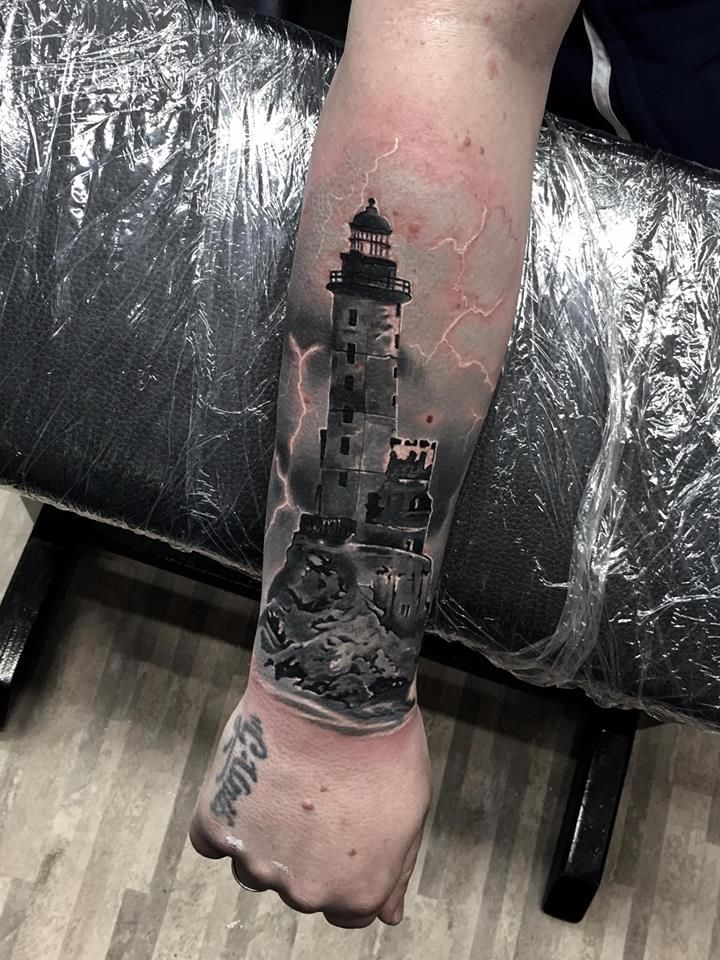 Leuchtturm lighthouse tattoo by vito vicente tattoo studio hamburg tattoo pinterest - Tattoo leuchtturm ...