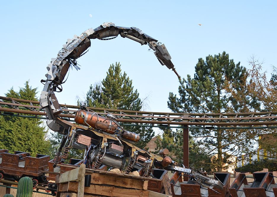 Metallic scorpion is the centre piece for Scorpion Express at #Chessington World of Adventures by @Themesparx