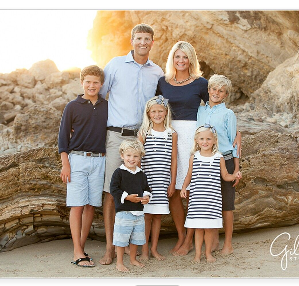 Family Pictures In The Beach: Family Photo Outfits, Family Beach