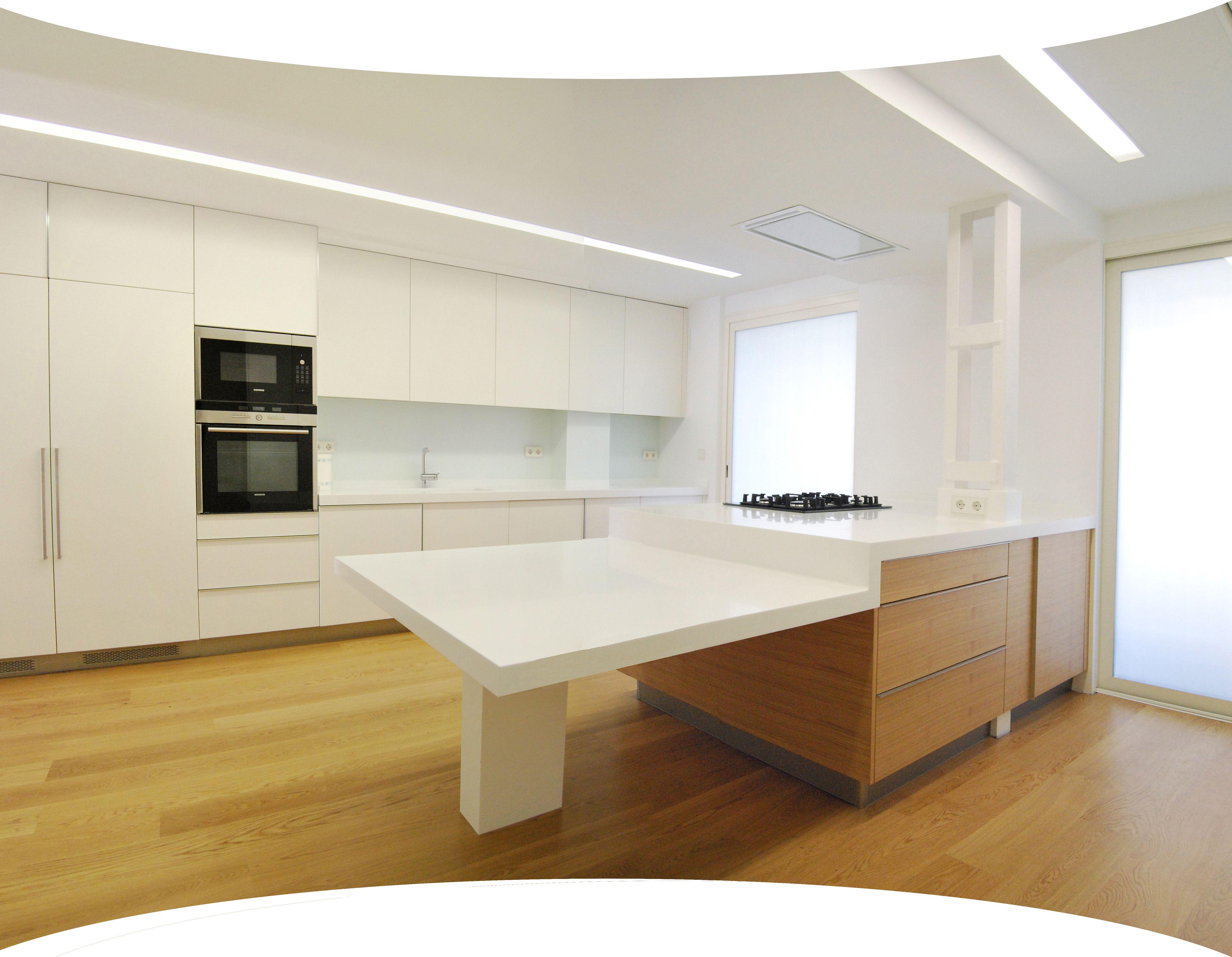 Corian cocina encimera superficie blanca corian cocinas for Superficie cocina