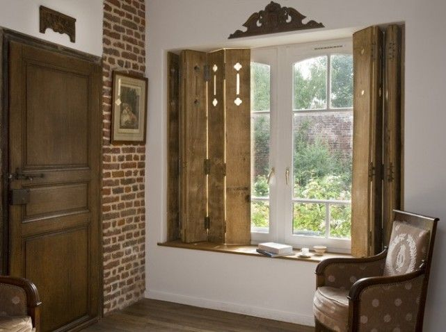 fenetres persiennes a l 39 interieur recherche google ouvertures pinterest volets. Black Bedroom Furniture Sets. Home Design Ideas