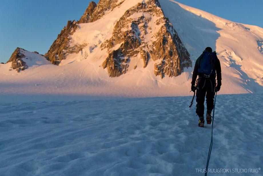 Approaching #ChereCouloir #chamonix #montblanc #mountains #alpine #climbing #nikon #d600 #24-85mm