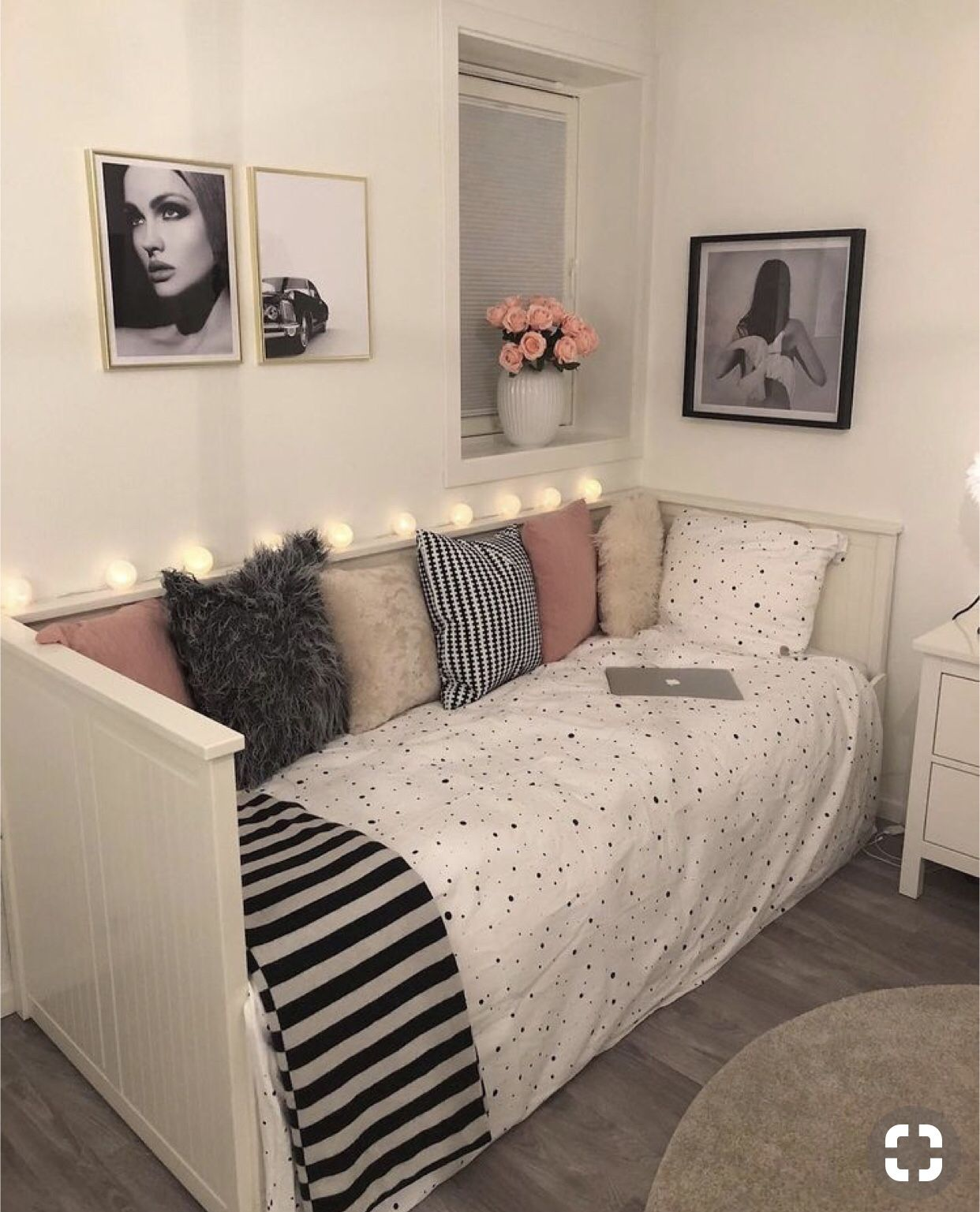 Pin By Mercedes On Tilbdwjoots Beautiful Dorm Room Dorm Room Decor Small Bedroom Storage